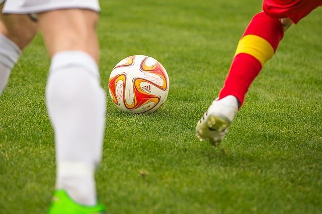 football-1350784_640